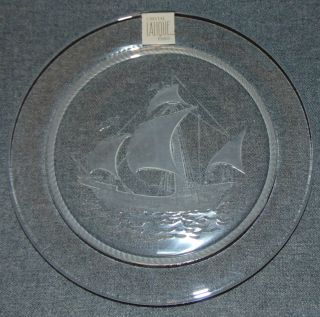 "Lalique French Crystal ""Pinta"" Ship Plate Lalique French Crystal ""Pinta"" Tall Ship Nautical Crystal Luncheon Plate. Measures 8-1/2"" wide. Condition is Excellent. No Damage. Starting Bid $30. Auction Estimate $30 - $40."