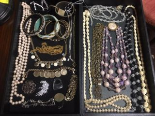 Collection of Misc Costume Jewelry Collection of Misc Costume Jewelry. Good Condition. Starting Bid $50. Auction Estimate $50 - $60.