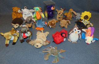 Lot of 20 Vintage Beanie Babies Lot of 20 Vintage Beanie Babies. All are tagged properly. All are in excellent condition. No Damage. Several Shipping Options Available. Starting Bid $100. Auction Estimate $120 - $200.